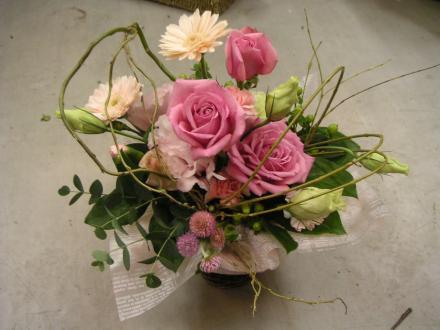 ブーケ・花束3:バラと小花の変わりブーケ