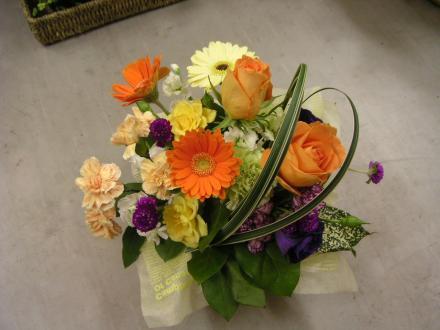 花束・ブーケ4:バラとガーベラの季節の小花Mixブーケ:オレンジ