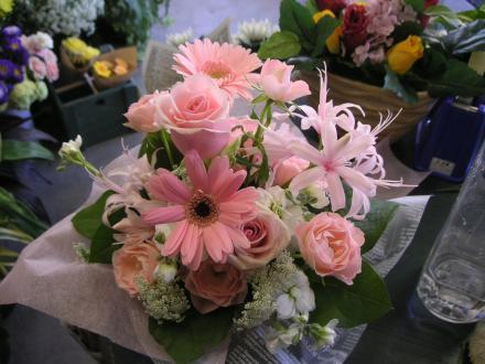 ブーケ・花束:バラとガーベラの季節のMixブーケ